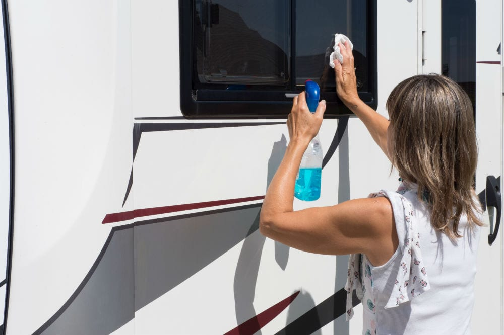 The Way To Eliminate Oxidation Out Of RV Fiberglass