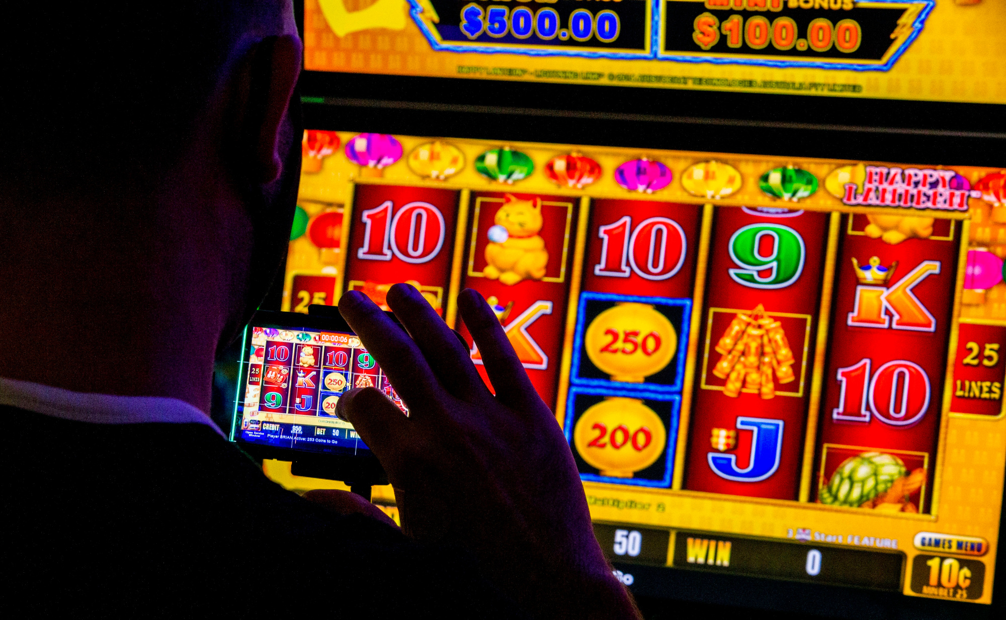 Seven Sensible Ways To show Your Audience About Gambling